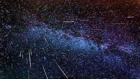 2013-perseid-meteor-shower-fireball-king