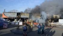 19 пожарных тушили склады «Апельсина» в Рязани. Фоторепортаж