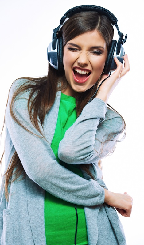 firestock_girl_headphones_19082013
