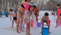 Обливания ледяной водой в детском садике