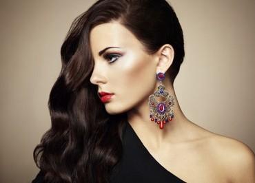 Beautifulwomanwithjewelry