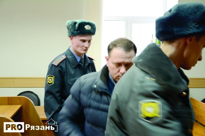 Сергей Ловцев своей вины не признал, отказался сотрудничать со следствием, что и сказалось на приговоре - 4 года колонии строгого режима и штраф 13 миллионов рублей.