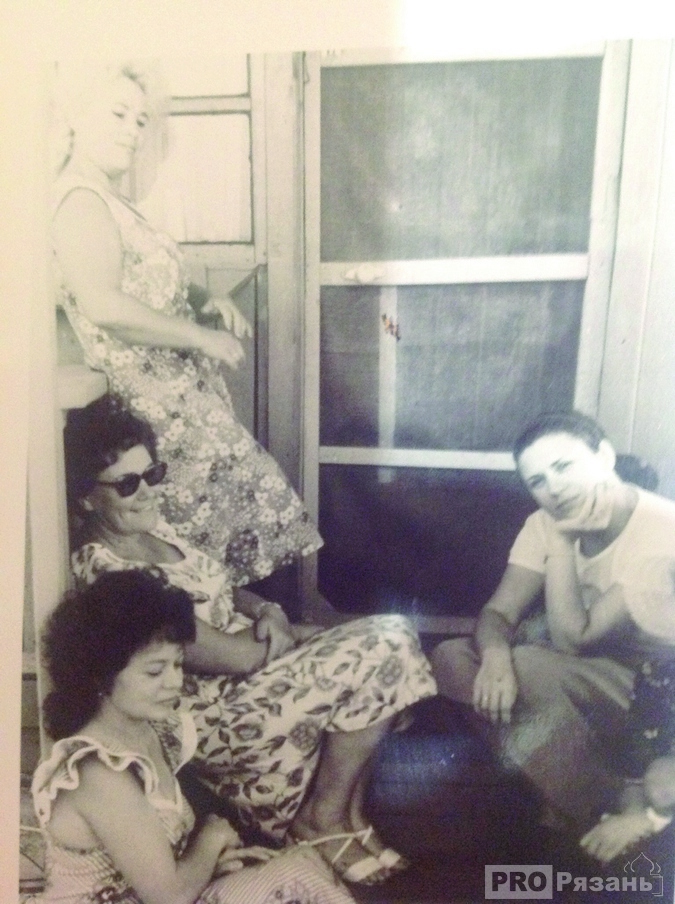 Валентина Толкунова в рязанской деревеньке Сумбулово. Фото из архива Анны Лащук.