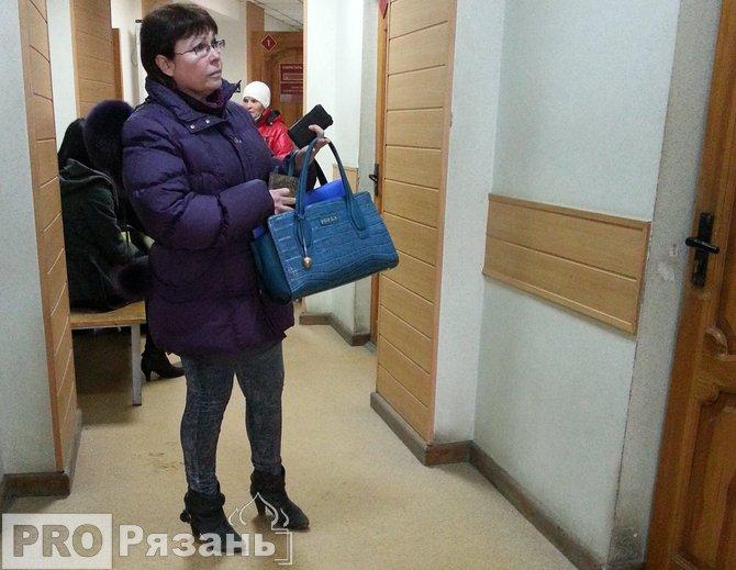 Бывшая сотрудница налоговой теперь отправится в колонию. Фото Александра Ефанова.
