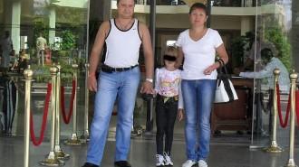 Убийца убивал родственников на глазах малолетней девочки.