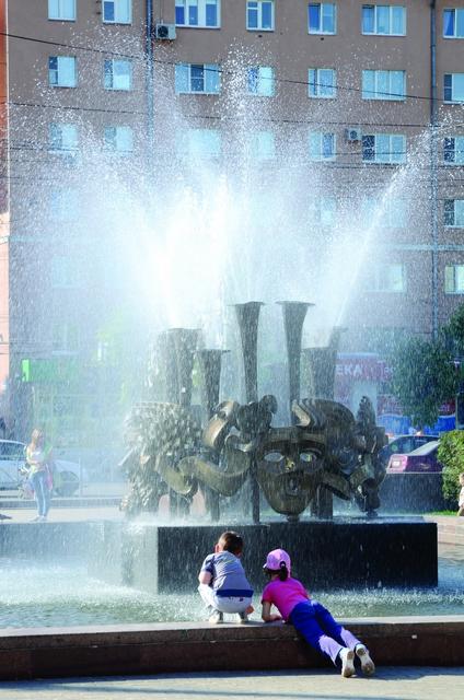 Мало-помалу центр города преображается! Фото Александра Королёва