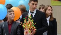 Рязанские первоклашки получили в подарок Дерево знаний