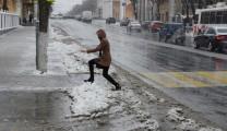 Снегопад в Рязани сыграл злую шутку не только с водителями, но и с пешеходами