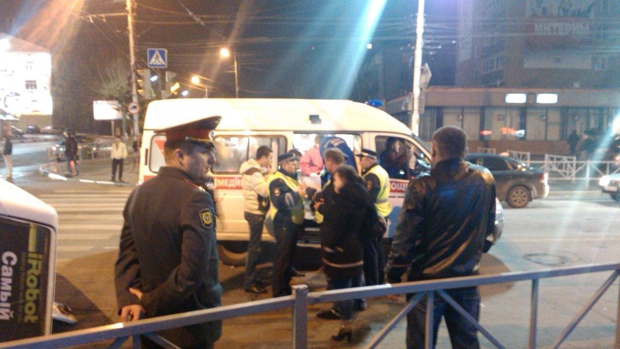 Маршрутка перевернулась на Грибоедова. Фото Фото: КПРФ Рязань|http://vk.com/kprfrzn