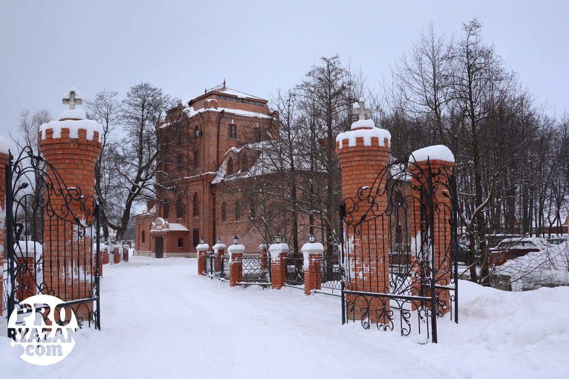 """Резиденция """"царской общины"""" в деревне Тимохино. Фото Александра Ефанова."""