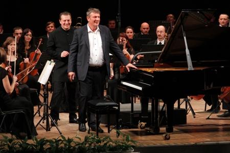 пианист Б. Березовский