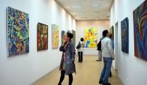 В Центральной городской библиотеке открылась выставка Галины Лисиной
