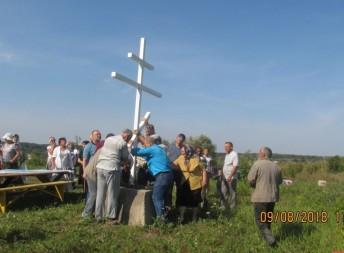 В Рязанском районе установили поклонный крест
